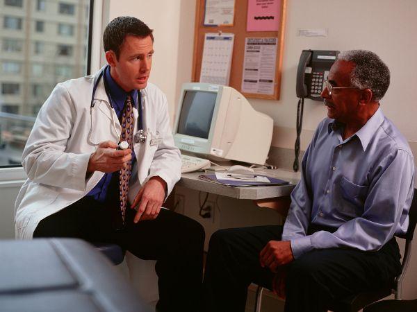 Посещение уролога для назначения лечения