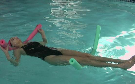 Плавание при остеохондрозе: польза и общие рекомендации