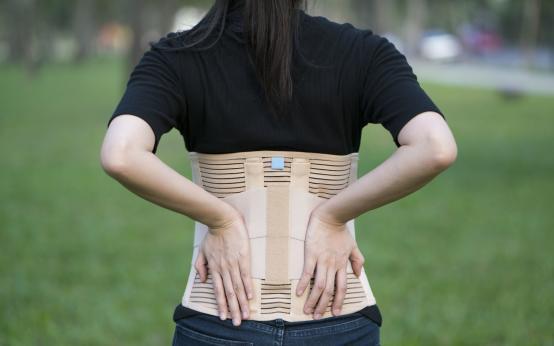 Корсеты для спины обеспечат вам красивую осанку