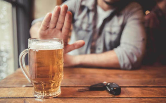 Пивной алкоголизм: симптомы и последствия для здоровья