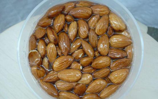 Орехи с медом – лечебные свойства, витаминный состав, в каких случаях принимать