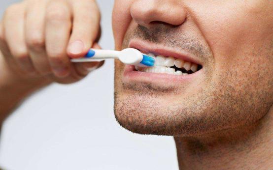 Пародонтит приводит к эректильной дисфункции: исследование университета Гранады, Испания