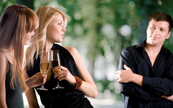 Частое пребывание в компании красоток опасно для мужского здоровья