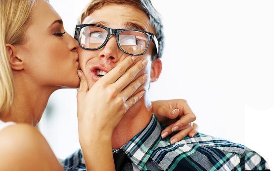 Гонорея передаётся через поцелуи: Мельбурнский центр сексуального здоровья