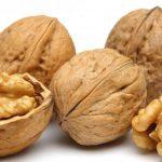 грецкие орехи в скорлупе и чищенные