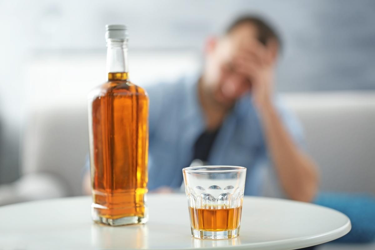Симптомы и фазы алкогольной зависимости. Терапия и постреабилитационные программы